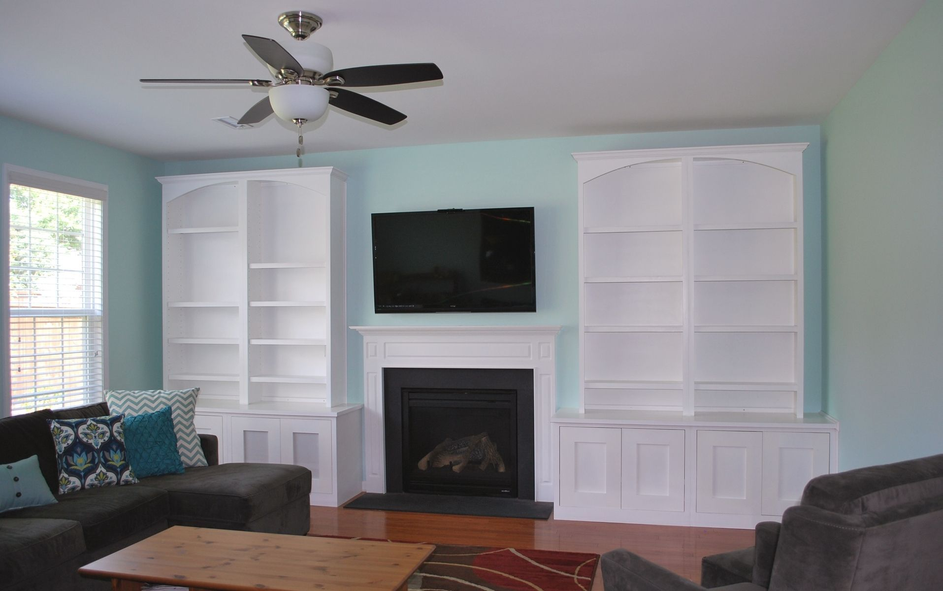 Custom Made Built In Entertainment Center Design Ideas