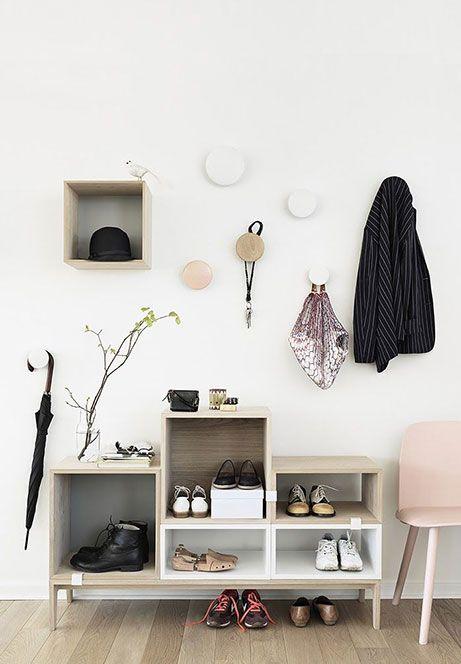 Scegli mobili consolle per il minimo ingombro. Idee Per Arredare Un Piccolo Ingresso Arredamento Decorazione Corridoio Idee Per Decorare La Casa