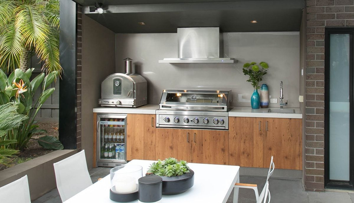 This Kitchen Contains All Stainless Steel Appliances From A Gasmate Platinum Ii Built In Bbq Wit Outdoor Bbq Kitchen Outdoor Kitchen Outdoor Kitchen Appliances
