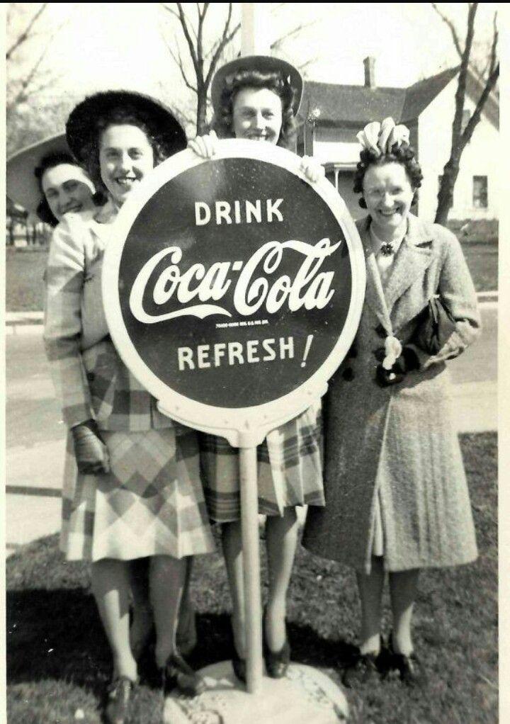 Vintage Coca-Cola girls | Coca-Cola! | Coca Cola, Cola