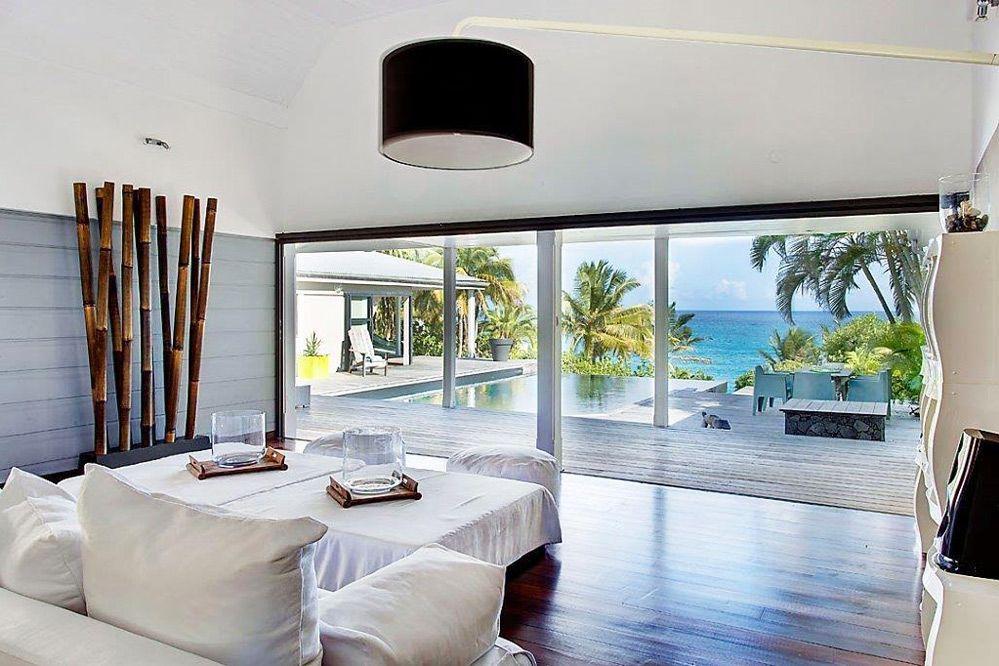 Villa de luxe piscine vue mer guadeloupe le salon villa the palm en guadeloupe pinterest for Villa luxe mer