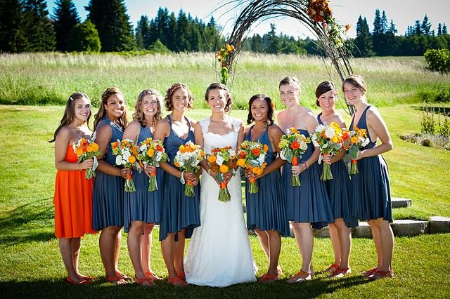 oregon wedding...love the orange!