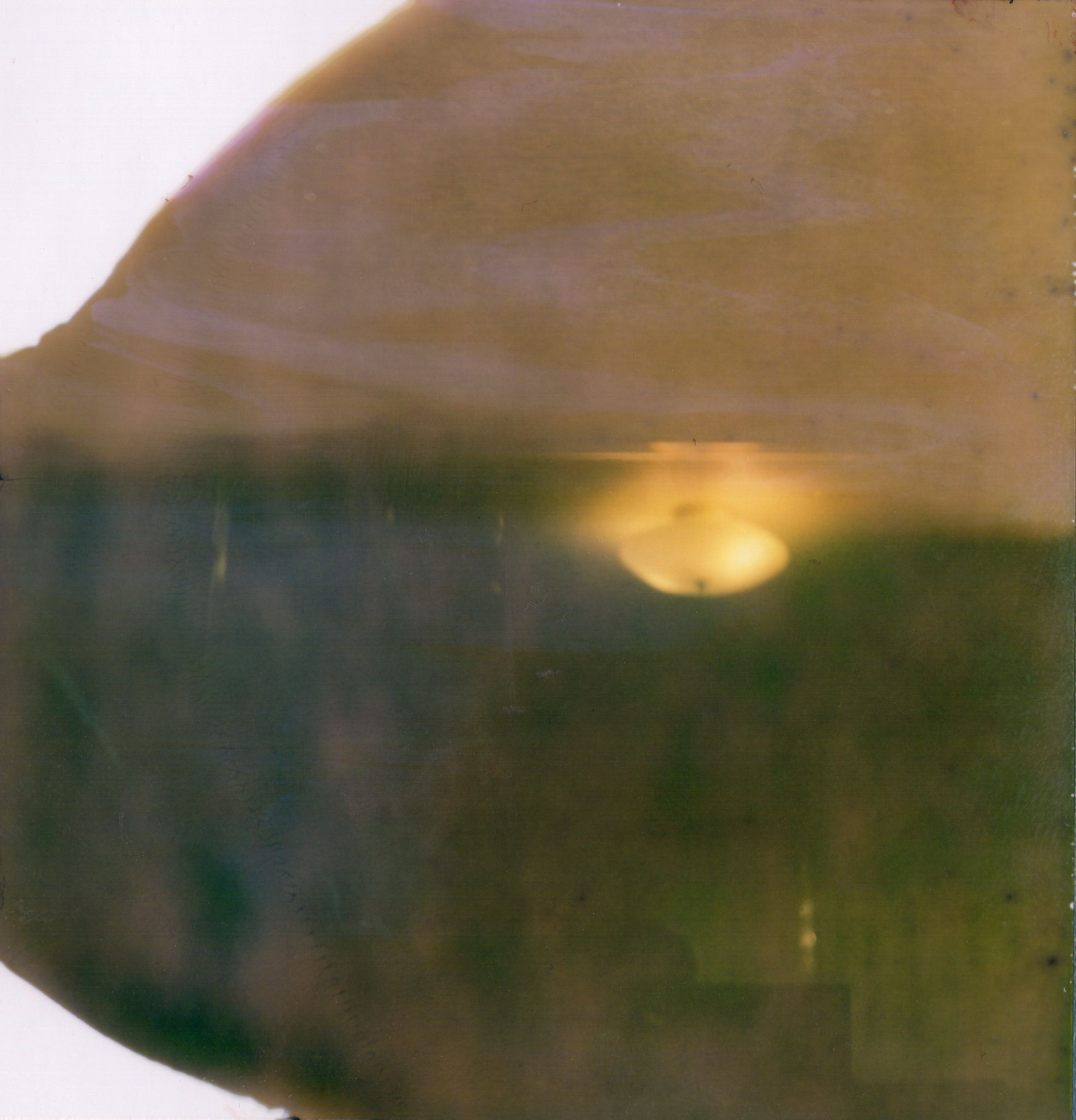 https://flic.kr/p/eDo1mA | Untitled | Polaroid Super Shooter Type 88 (expired 09/88)