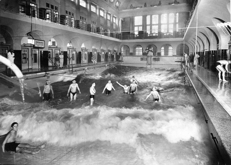 Leipzig wellenbad 1920s memory systems pinterest for Architektur 20er jahre
