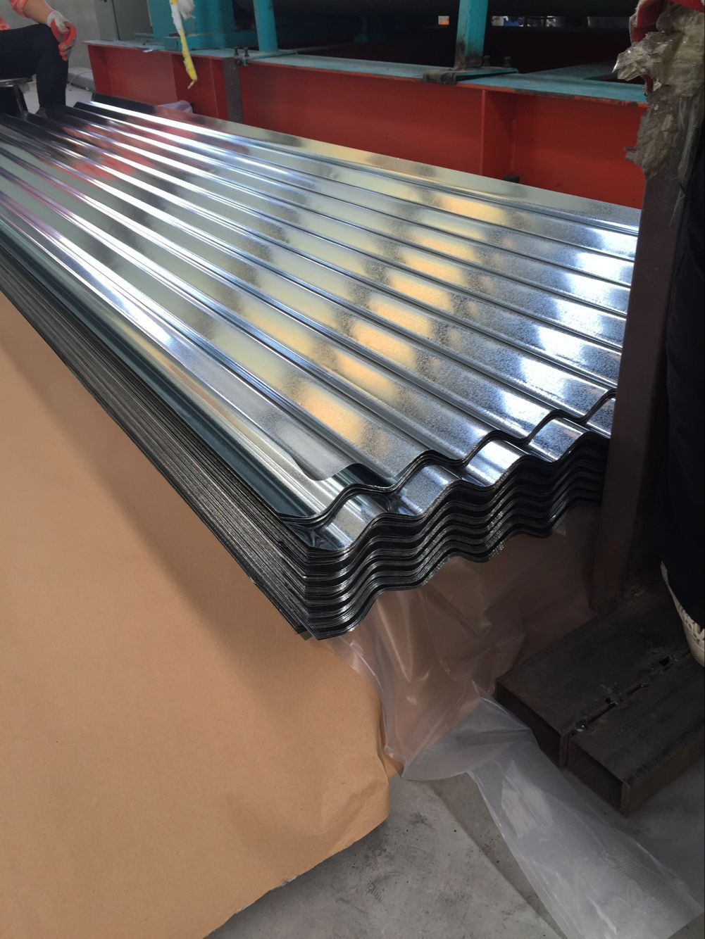 Galvanized Roofing Sheet Courrgated Board In 2020 Corrugated Roofing Galvanized Roofing Roofing Sheets