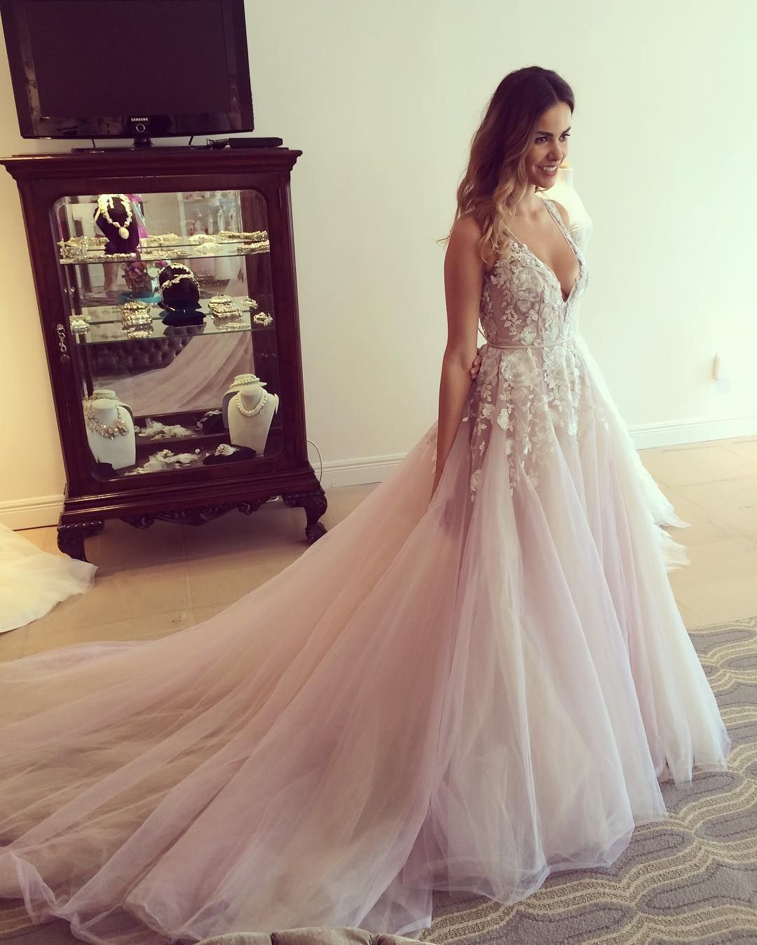 See Meghan Mccain S Gorgeous Wedding Dress: Hayley Paige (@misshayleypaige) • Instagram Photos And