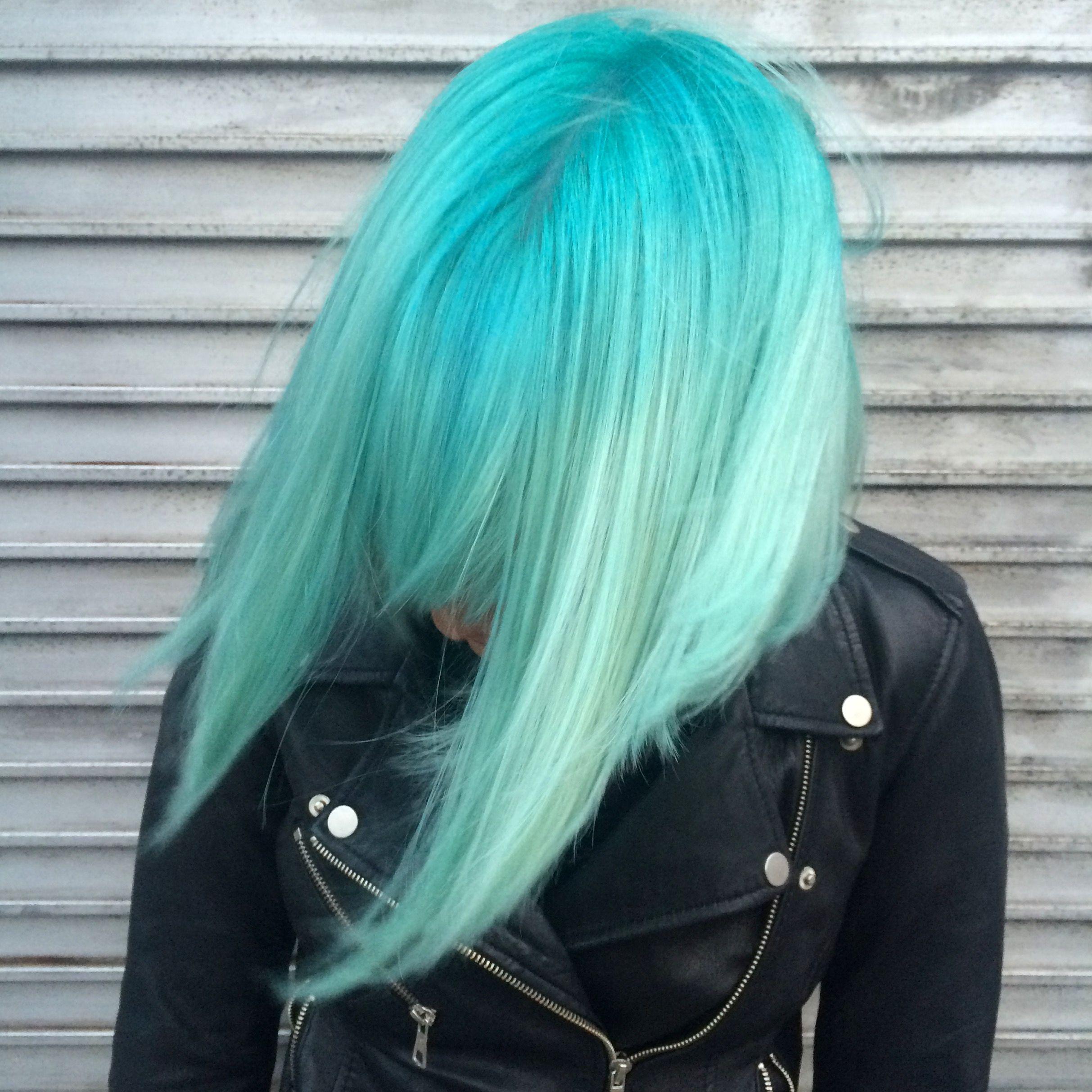 Hair by Loren Miles for Bleach London  ueue w a v e s o f c o l o r