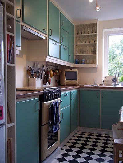 Best Hand Finished Retro Kitchen In Farrow Ball Arsnic Green 640 x 480