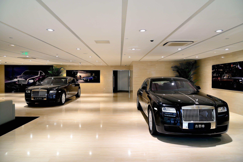 car showroom exclusive - Google Search | Car Showroom ...