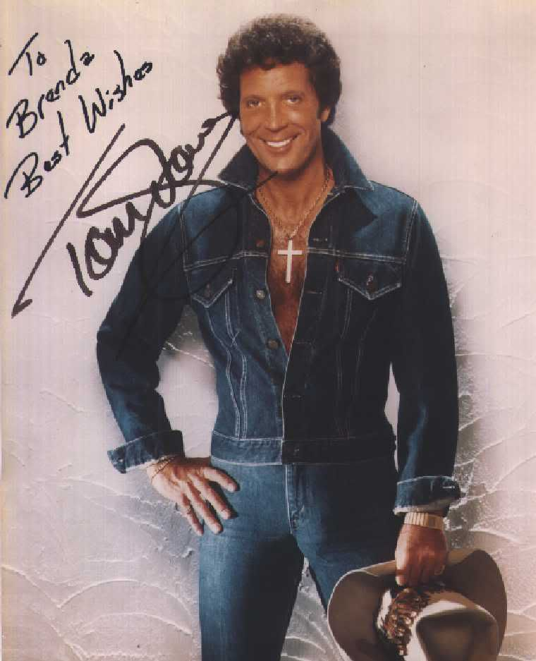 Tom Jones I Survived The 70s Pinterest Toms Singers And Musicians