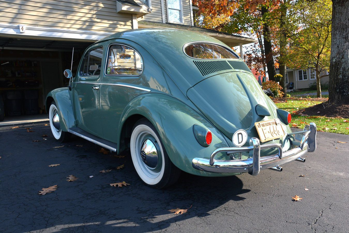 Volkswagen : Beetle - Clic 2-door | Beetles, Volkswagen and Vw