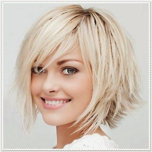 Haarfrisur Mit Kurzen Und Schrägen Pony Hair Hair