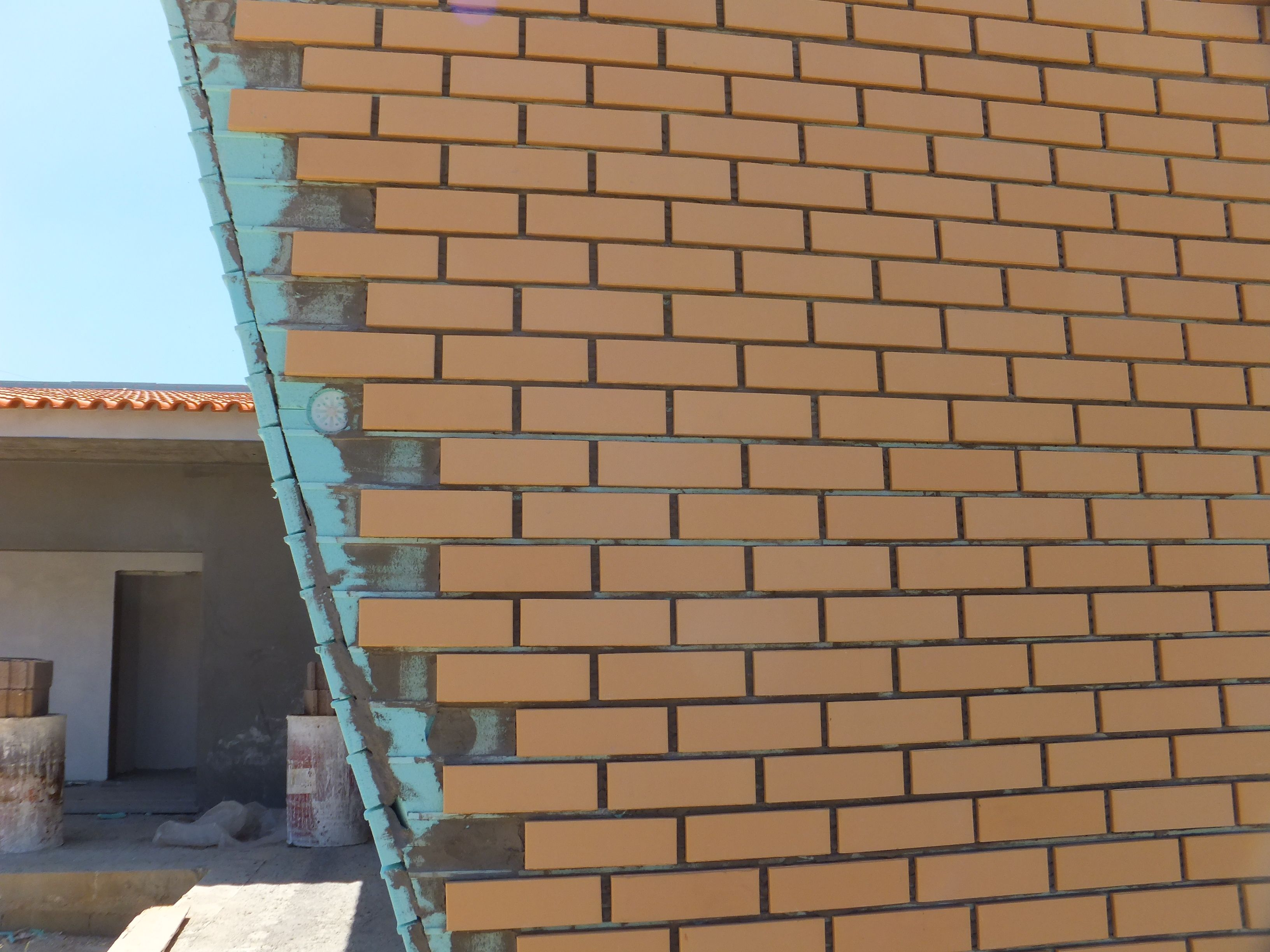 Candiwall Brick Cladding System Supplied By Brick Clad In The Uk Grey Brick Buff Brick Red