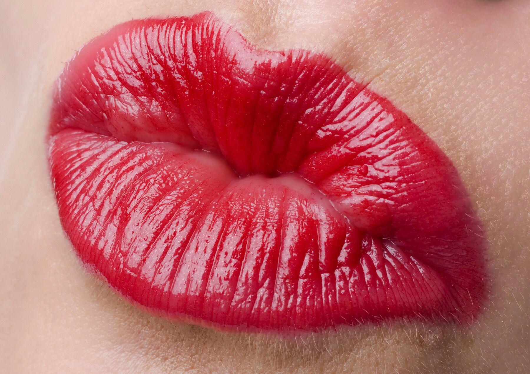 Видео большие женских губ, секс голые жены фото