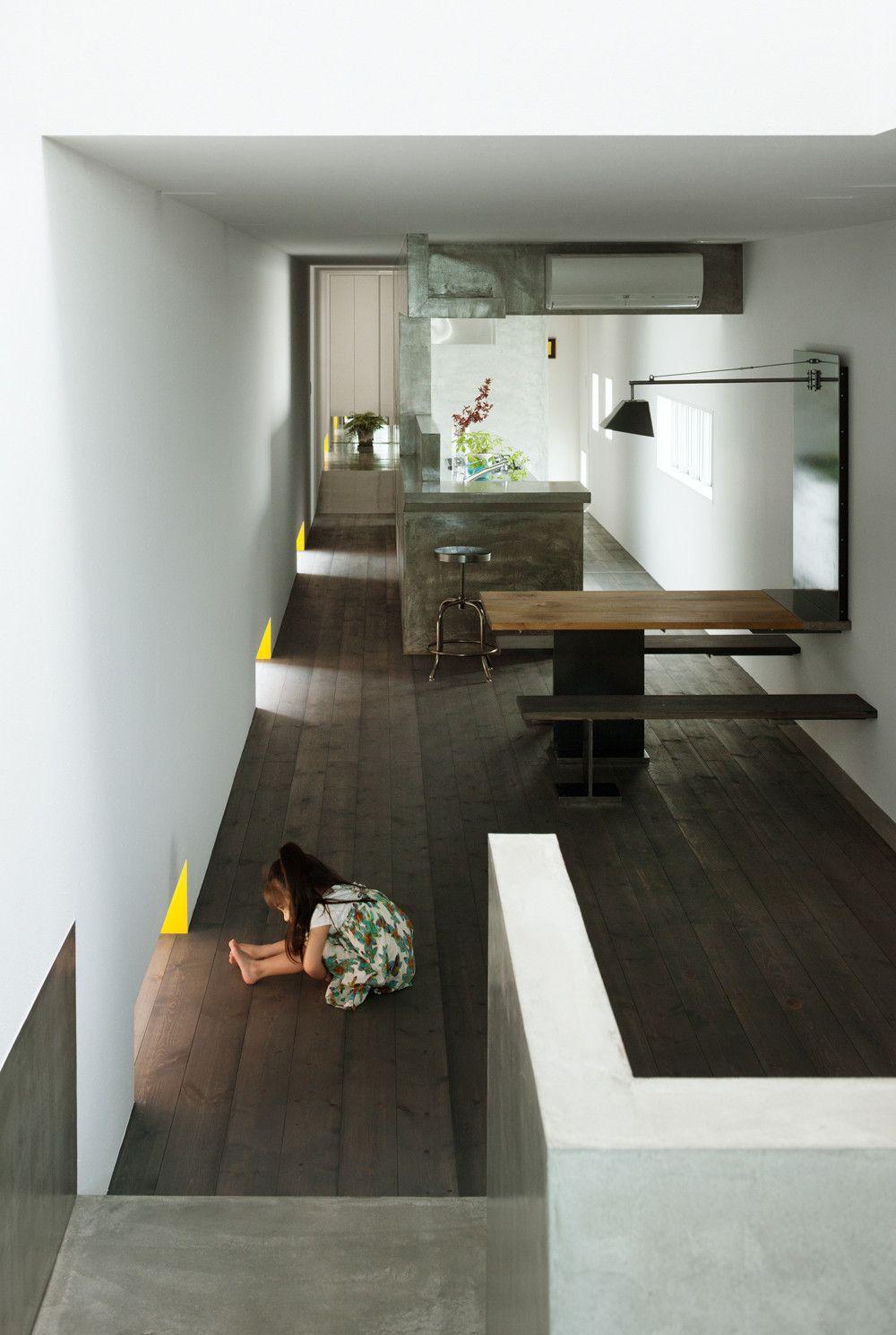 11 Spectacular Narrow Houses And Their Ingenious Design Solutions Architektur Innenarchitektur Inneneinrichtung Haus Interieurs