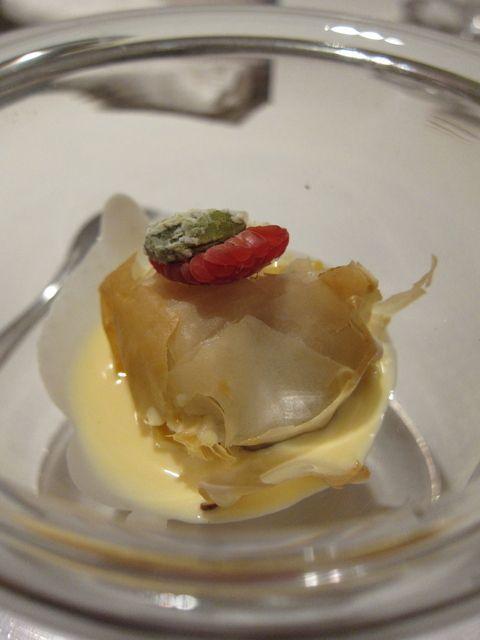 ル マンジュ トゥー スズキのポワレ ペルノーソース 料理 料理