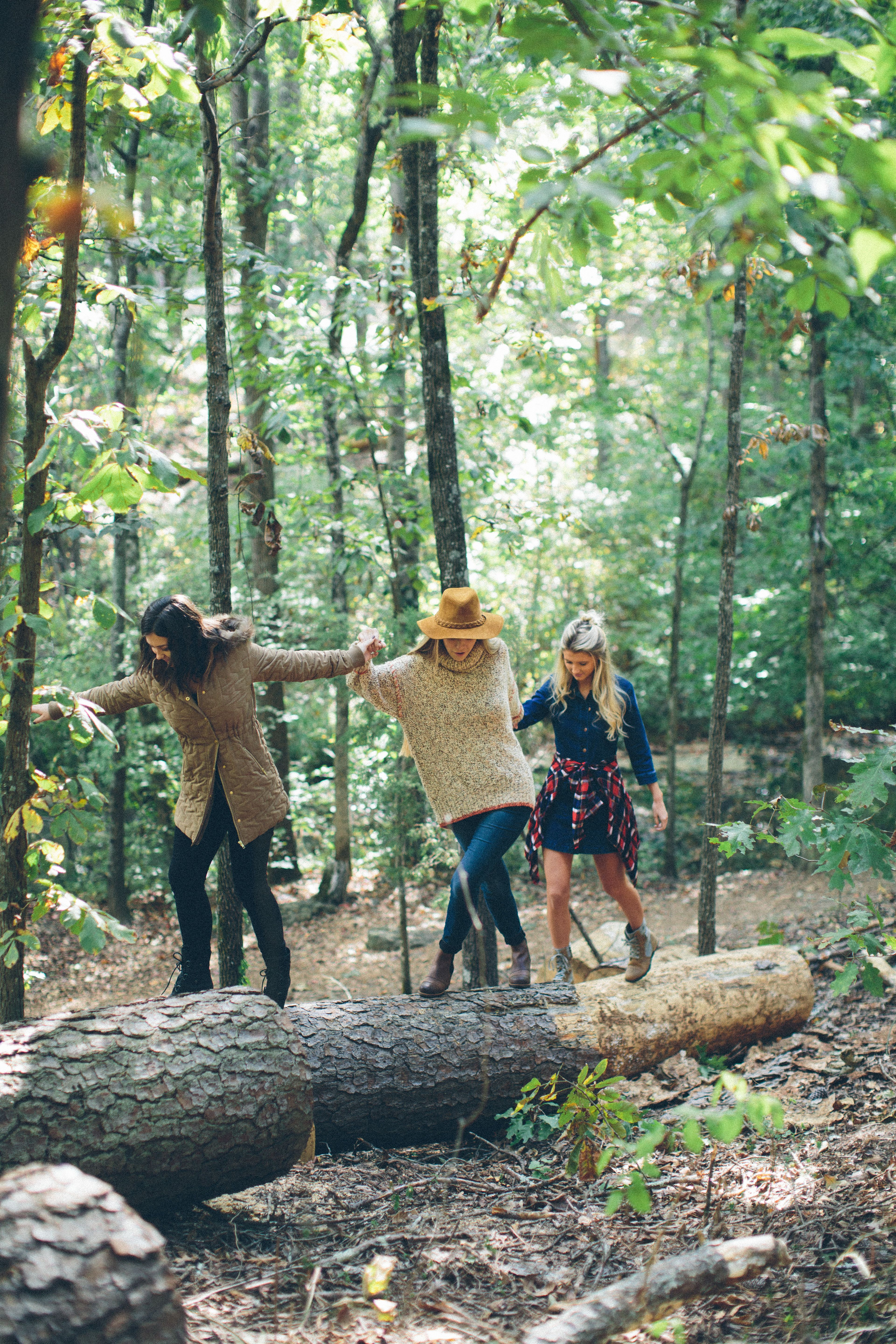 Our SOREL photoshoot was one of the most fun we've had at the Peach! Mixing together fashion and the outdoors allows us to get creative with our wardrobe and have fun!