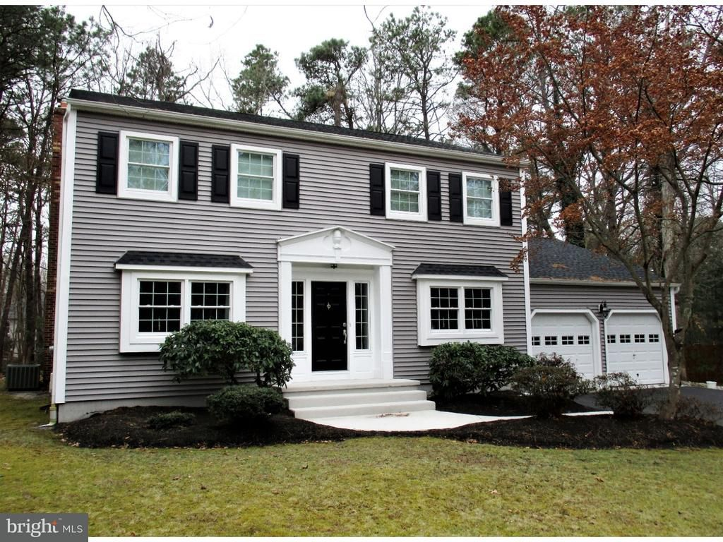 4 Hill Ct For Sale Medford Nj Trulia Colonial House House Design Home And Family