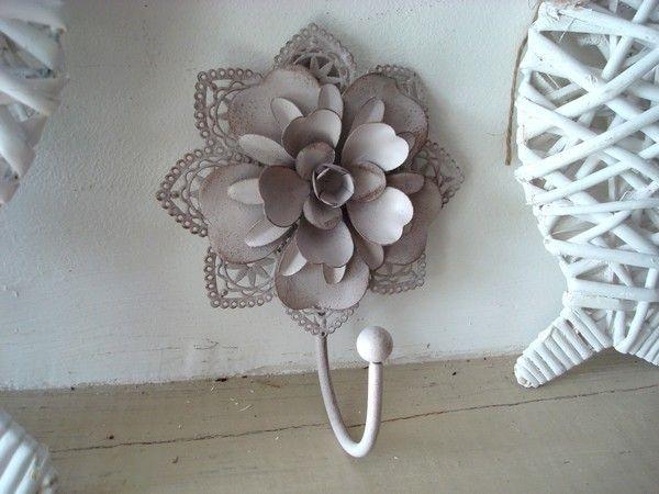 pat re murale en forme de fleur. Black Bedroom Furniture Sets. Home Design Ideas