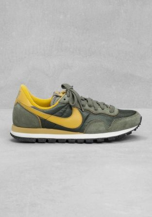 Mínimo Adentro Disco  & Other Stories | Nike Air Pegasus '83 | Green | Nike air pegasus, Mens nike  shoes, Nike boots