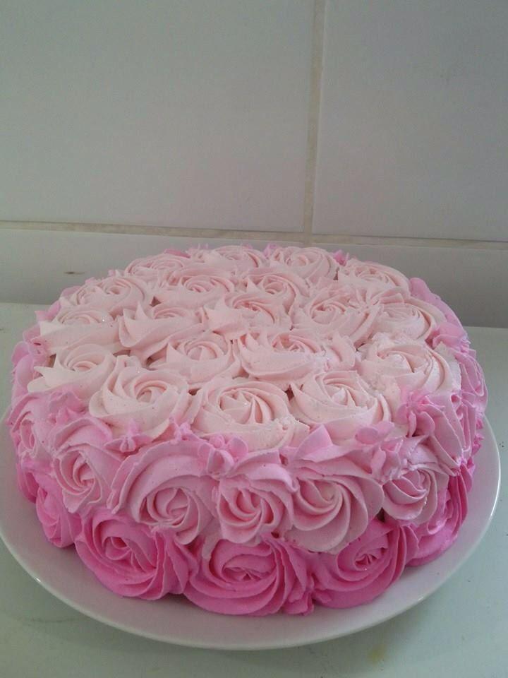 Bolo Rosas De Chantilly Degrade Rosa Bolos De Aniversario