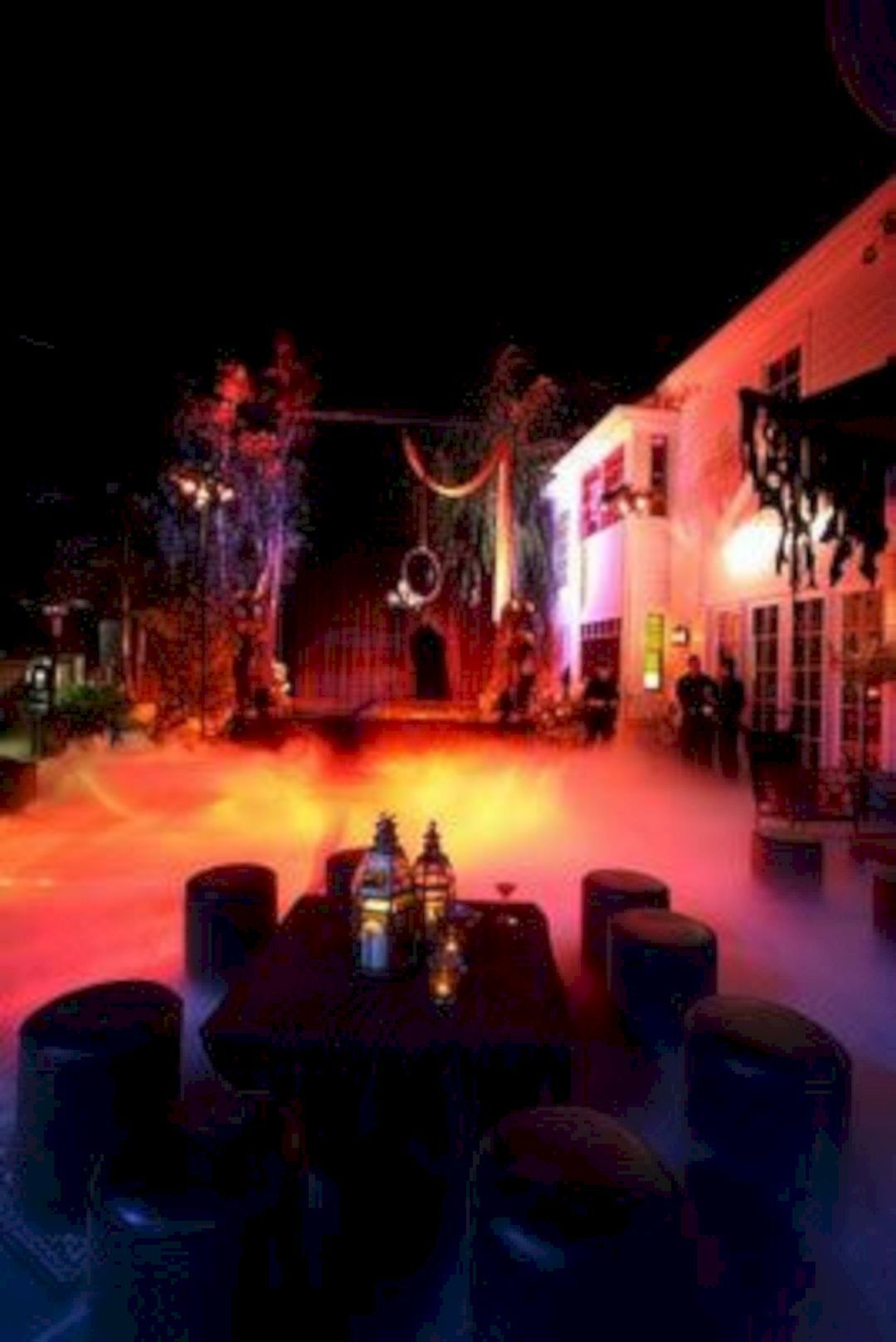 Awesome halloween pool party decorating ideas 25 best - Halloween swimming pool decorations ...