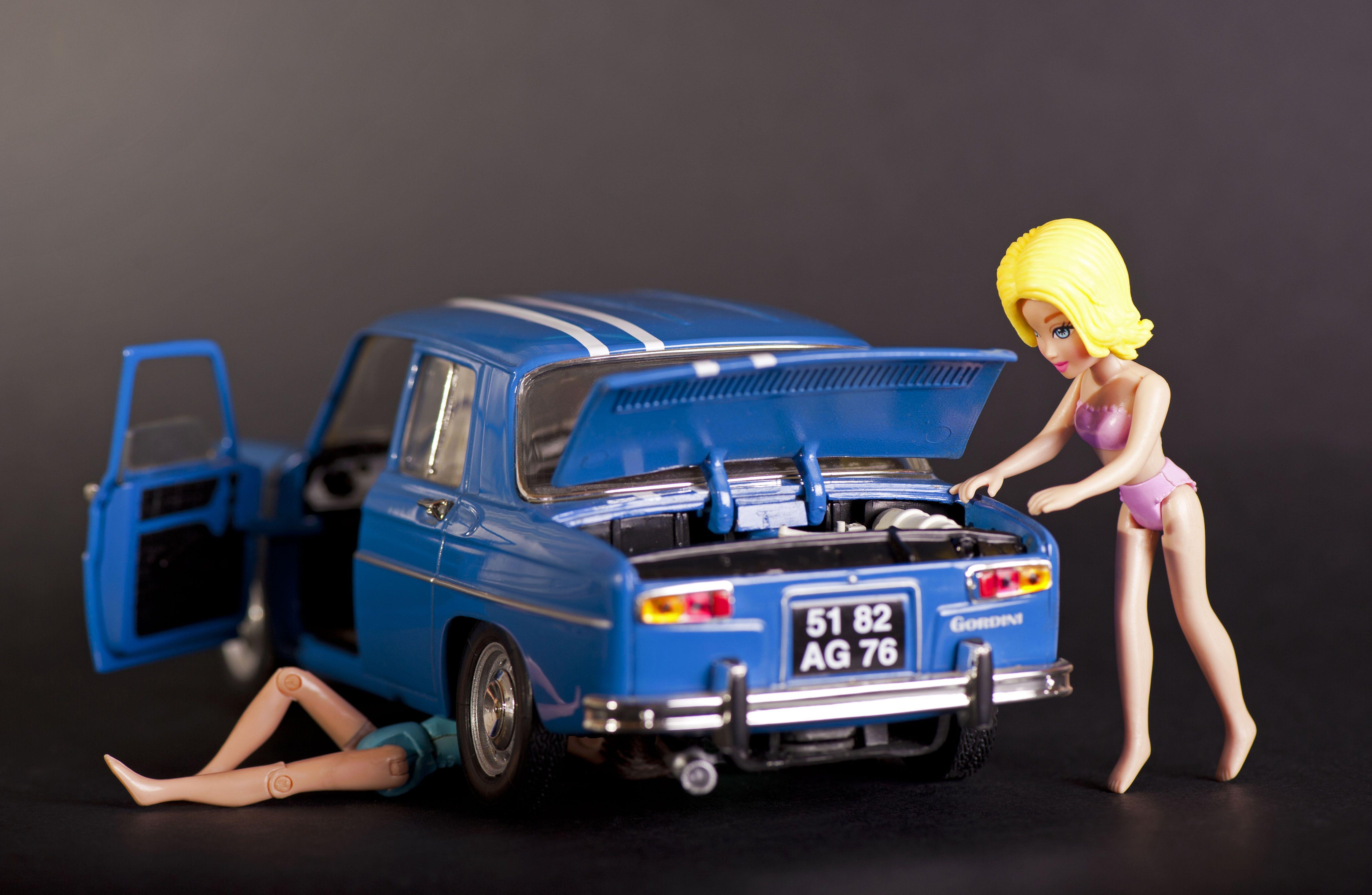 arrhhh le coup de la panne variante r8 gordini voitures pinterest location voiture entre. Black Bedroom Furniture Sets. Home Design Ideas