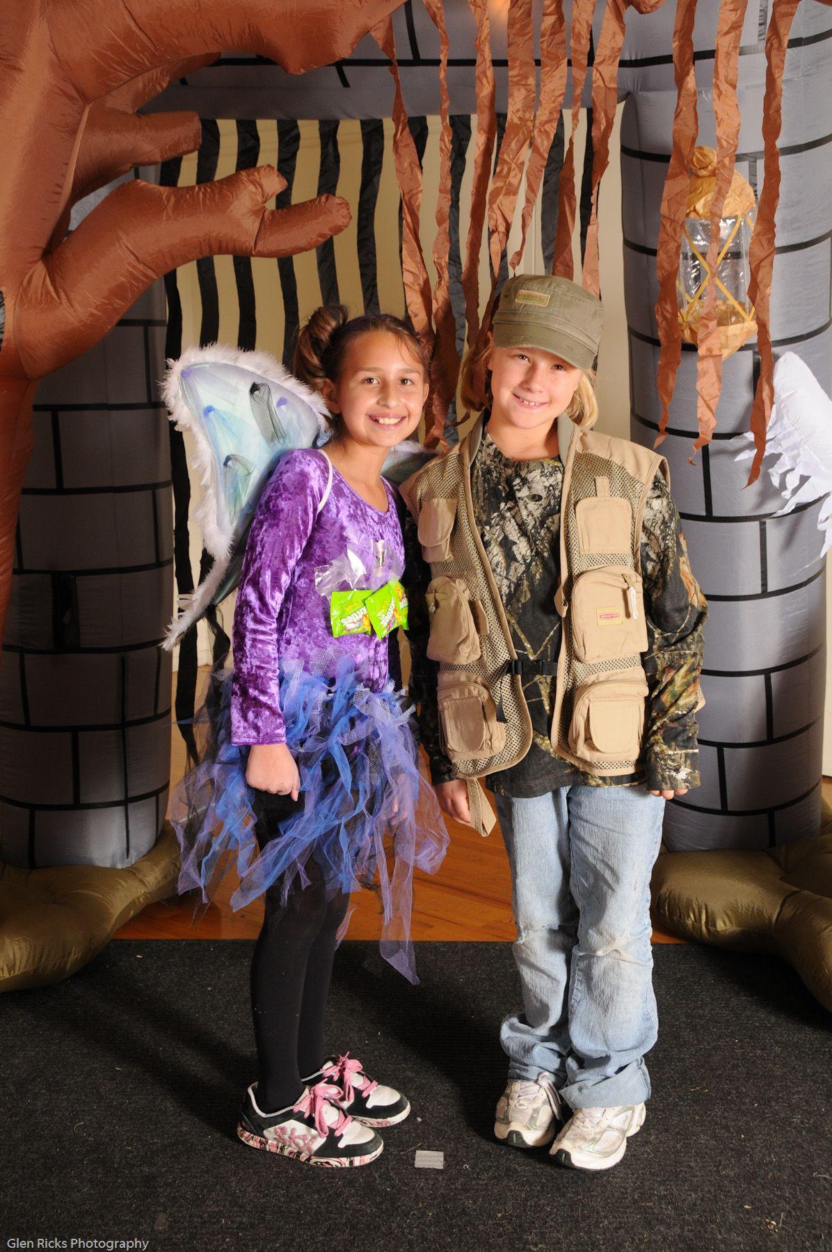Sarah & Ashley Ellison - Halloween 2009