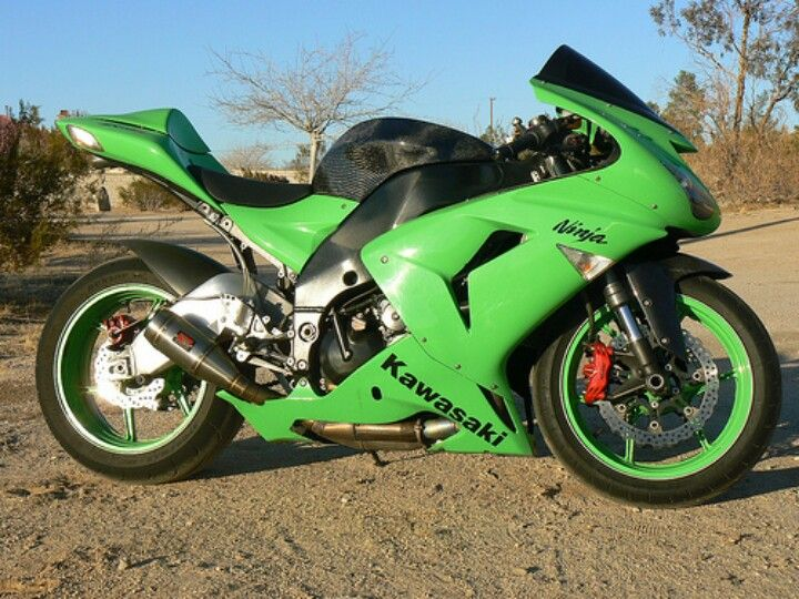 Kawasaki ZX-10R 2006 with ZX-6R 2009 forks and swingarm- pretty much