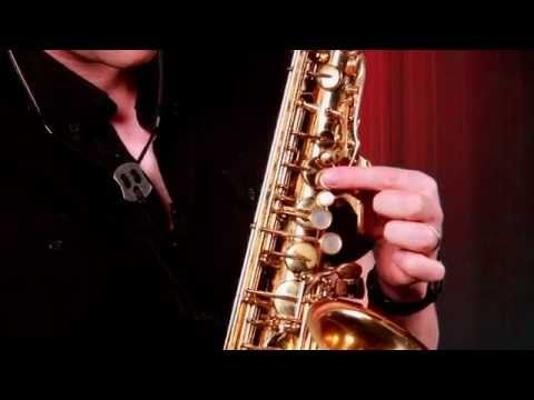▶ How to Hold the Saxophone - YouTube