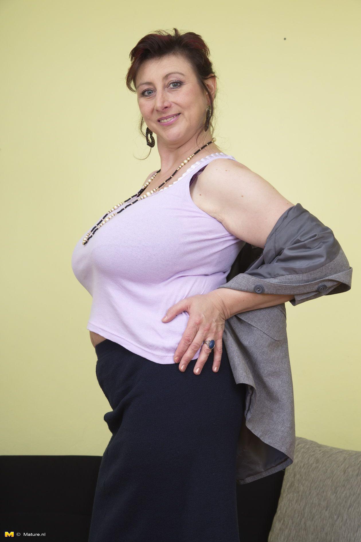 sexy nude fat grannies