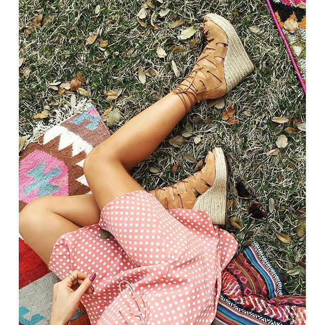 Austin morning vibes!✨ Happy Tuesday loves! #revolvefestival ------ Vibes de hoje! Uma Terça linda pra todos vocês