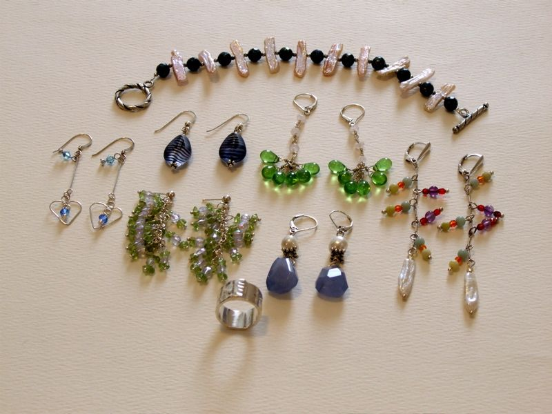 How to clean your tarnished silver jewelry the fast, cheap