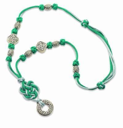 How to make a celtic square knot necklace - Come realizzare una collana con nodo celtico