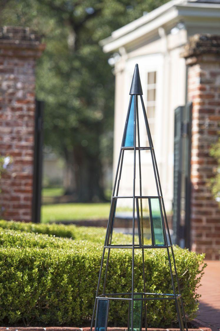 Kaleidoscope Garden Obelisk In Metal And Glass Gardeners Com