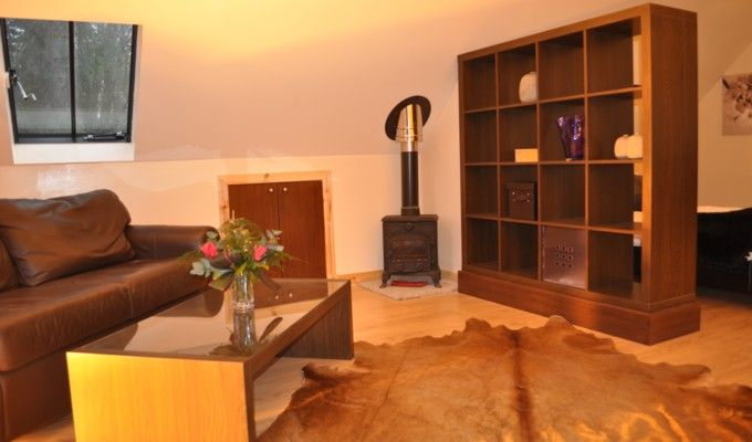 Open plan self catering suites close to Loch Lomond and