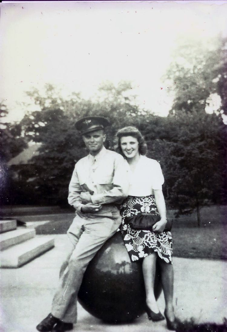 Stories of a Stateside Bride is a 2-disc audio program of interviews by Vickie Maris with her mom, Lucille Maris about World War 2. Learn more in an upcoming online course, Spouse's Survival Guide to Military Deployment. Sign up at www.statesidebride.com/products #deployment