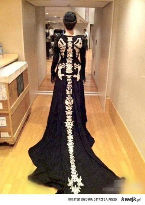 This would be a fun wedding dress for a Halloween wedding ...