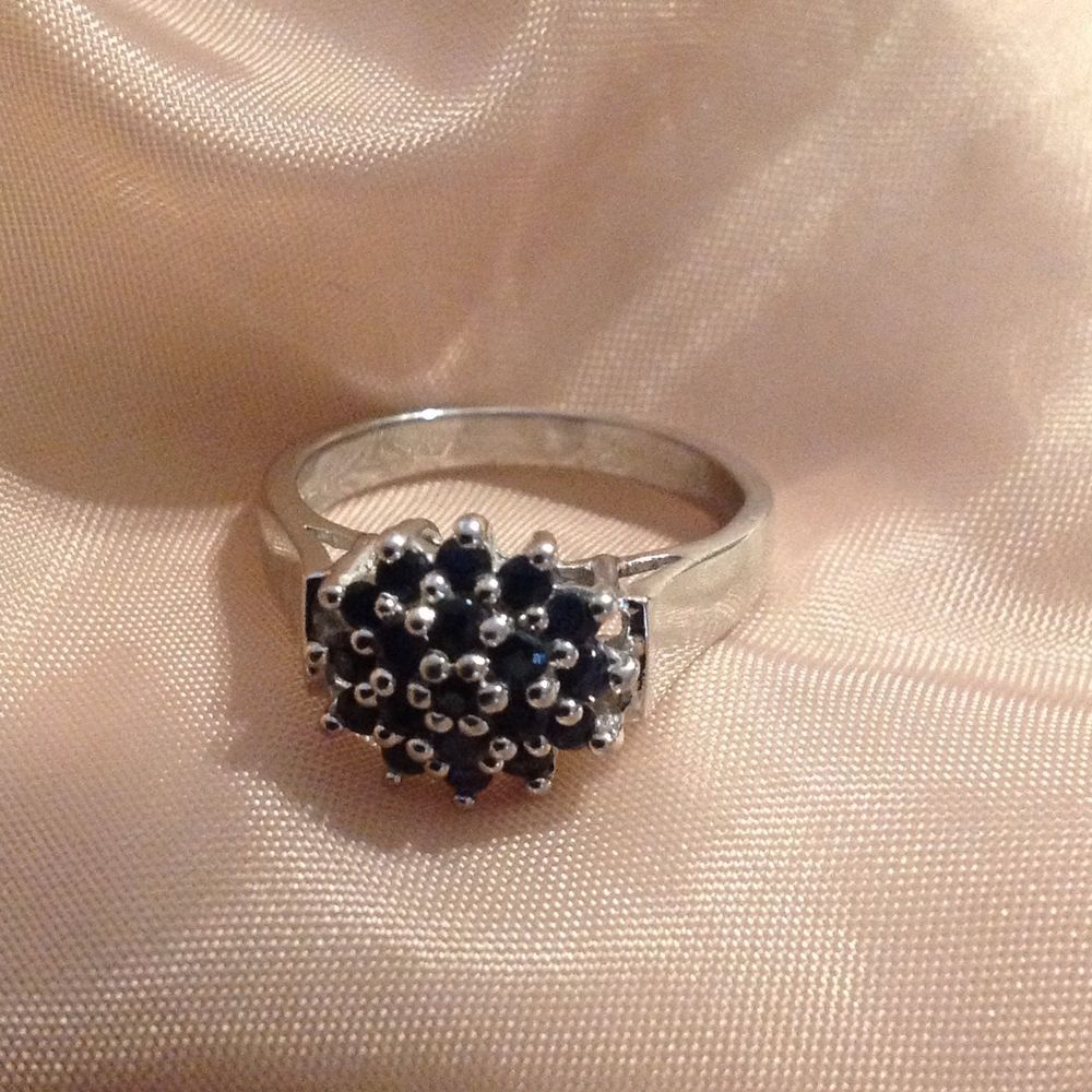 Ci 925 Thailand Sterling Silver And Sapphire Cluster Ring Sz 8 Ebay Silver Cluster Ring Rings
