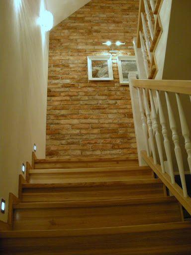 Lighting Basement Washroom Stairs: ściany Klatki Schodowej