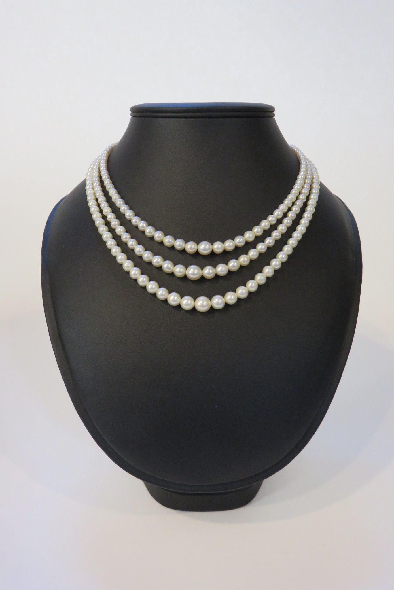 c0cebf01db6 Collier trois rangs de perles de culture en chute
