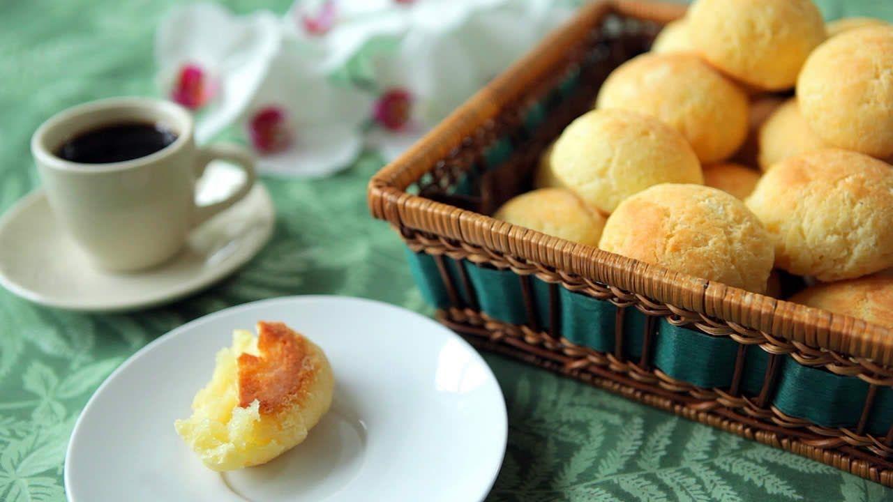 Petits pains brésiliens au fromage (pão de queijo) in 2020