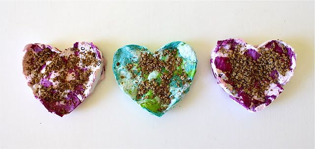 DIY shredded paper heart seed favours