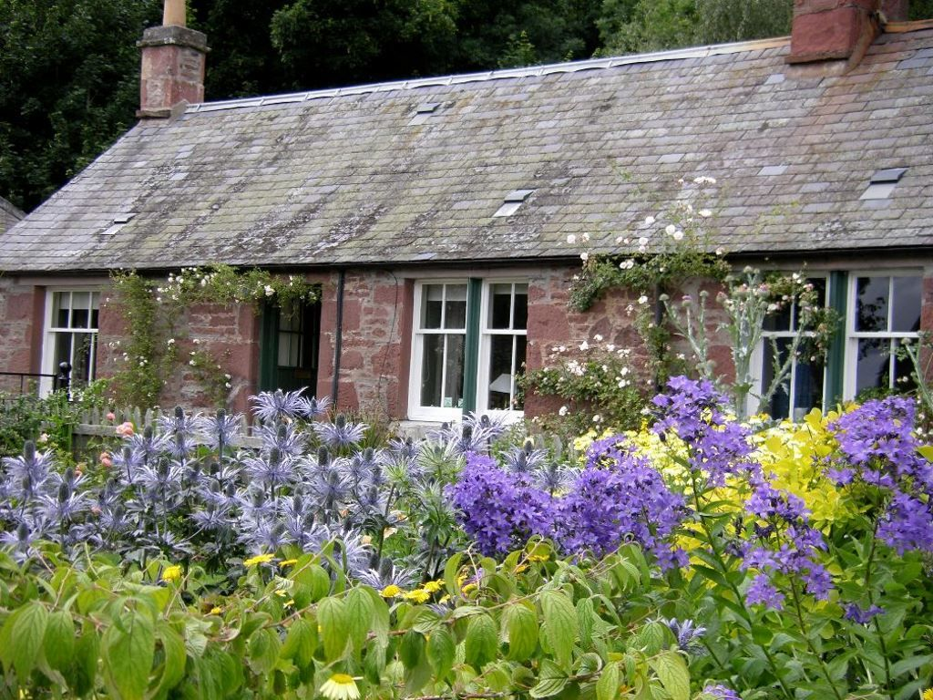 Littleton Of Airlie Farm Cottages Kirriemuir Angus Scotland Self Catering Accepts Dogs Small Pets Weaccep Holiday Cottage Farm Cottage Seaside Cottage