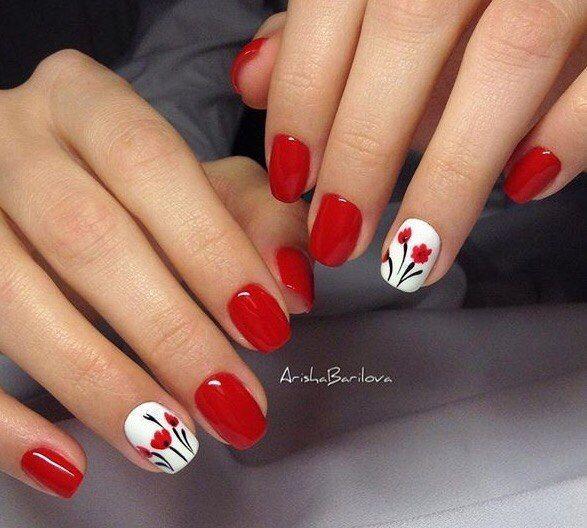 Unas Rojas Una De Flores Fondo Blanco Diseno De Unas Pinterest