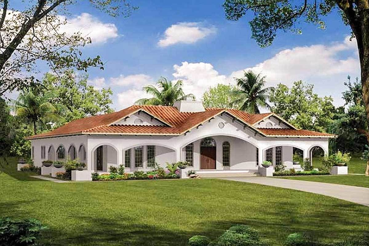 Plan 81383w Central Courtyard Dream Home Plan In 2021 Courtyard House Plans Mediterranean Style House Plans Spanish Style Homes