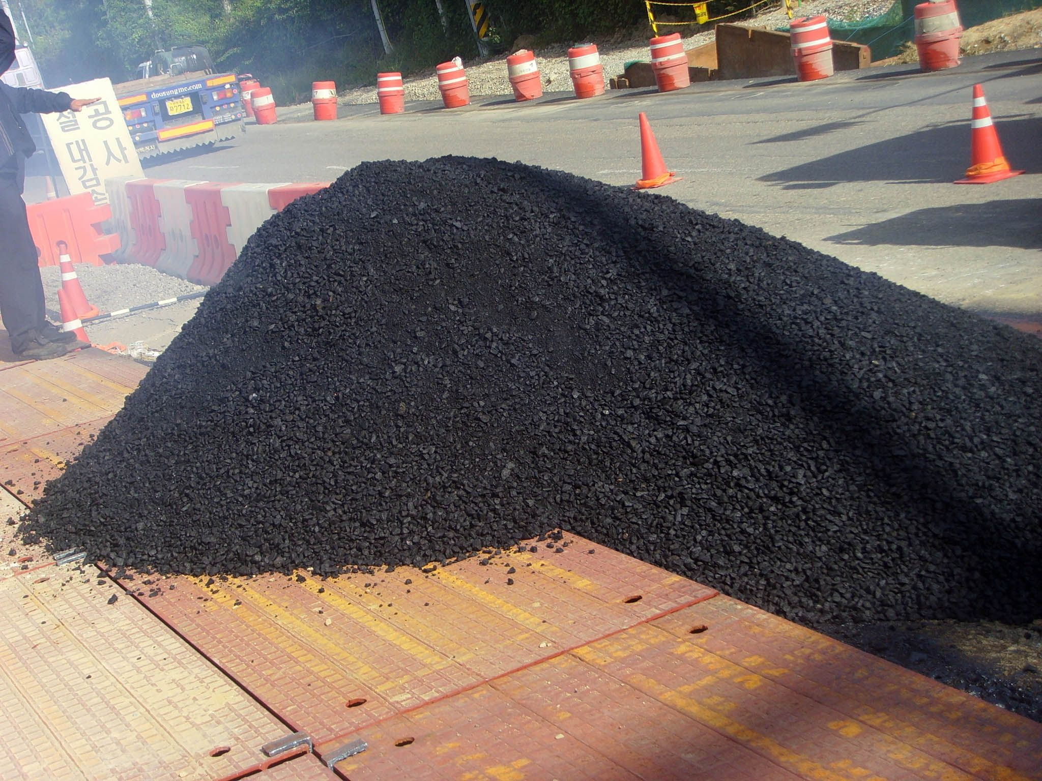Asphalt Paving And Sealcoating The Hard Facts Of Asphalt Repair Asphalt Driveway Asphalt Asphalt Repair