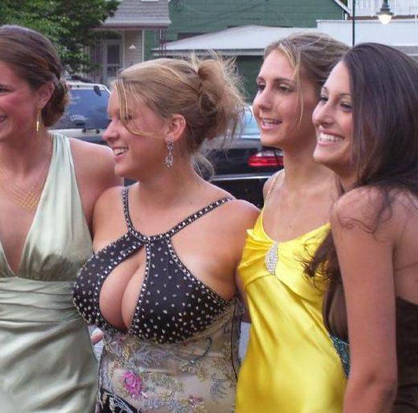 Bilderesultat for dresses prom big boobs