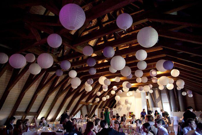 id e boules papier suspendues plafond salle mariage champ tre pinterest plafond suspendu. Black Bedroom Furniture Sets. Home Design Ideas