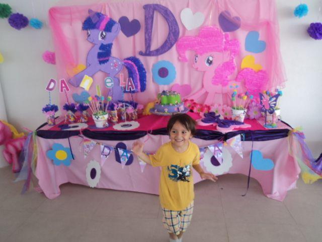 Mesa para pastel, tema My little pony. Kiddy's fiestas infantiles: facebook